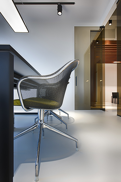 BBSC-architects-Metis-lawyers-watt-antwerp-chair